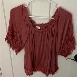 Off the shoulder red shirt with lace decal